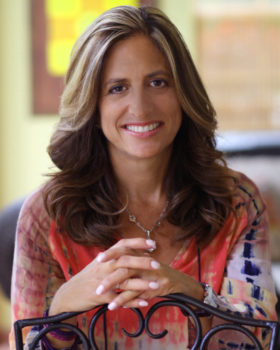 Ellen Valladares Application & Essay Expert