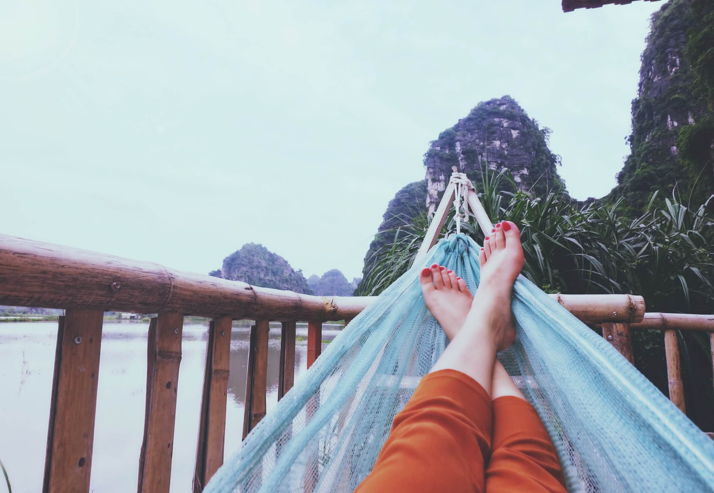 relax in a hammock -thu-giang-578263-unsplash